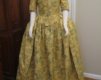 Winter Colonial Round Gown size 14