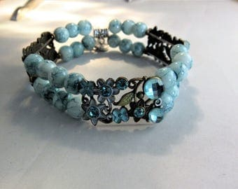 Blue Flower Connector with Charm Stretchy Bracelet