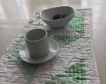 Green Geometric Improv Bonnie and Camille Snack Mat - FREE shipping