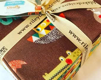 Giraffe Crossing 2 Fat Quarter Bundle by Riley Blake Designs FQ-6150-15