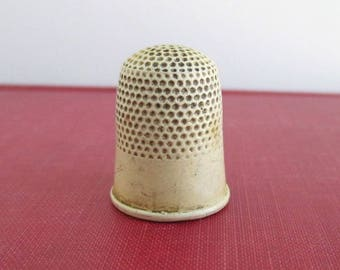 Vintage Celluloid Thimble - Marked 8