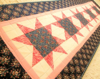 Quilted Spring Farmhouse Star Table Runner