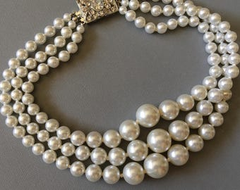 Chunky Pearl Necklace choker with rhinestone clasp vintage hand knotted pearls in white wedding bridal jewelry