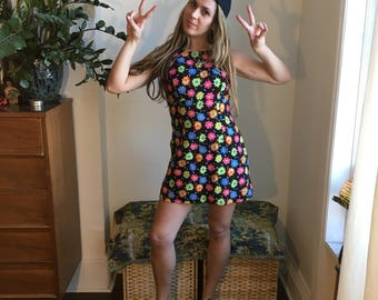 XS 90s Does the 60s Club Kid Flower Power Cotton Mini Dress
