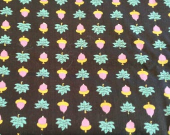 Pink Acorns, Green Leaves on Black Vintage Cotton Fabric 5 1/2 Yards X0851 Quilting, Crafts and Clothing Will divide
