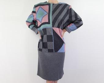 VINTAGE 1980s Geometric Dress Grey Pastel Knit