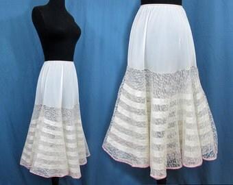 Flared Skirt Crinoline - layered flounce petticoat - 40s-50s - lace, net and taffeta - S-M