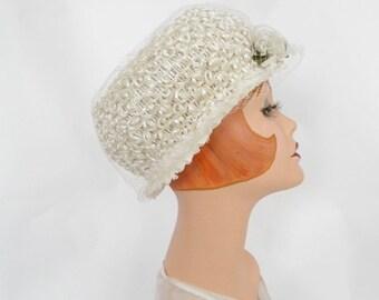 Vintage white hat, 1960s woman's straw bubble hat