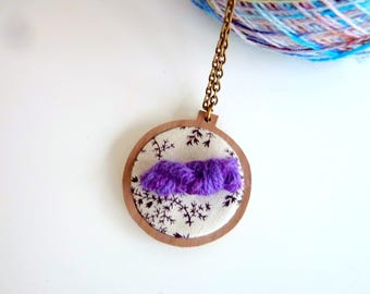 Embroidery hoop necklace, purple yarn mini skein