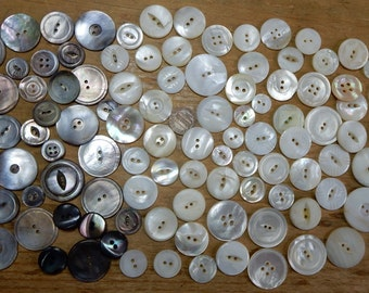 Mixed Size Lot of  120 Antique Mother of Pearl Buttons    NDH8