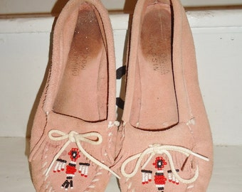 Pink Suede Leather BEADED Vintage Women's Minnetonka Moccasins Thunderbird 10
