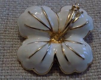 Vintage brooch, dogwood brooch, white enamel brooch,flower brooch, 1950s brooch, floral brooch