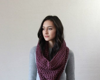 End of season SALE Chunky Infinity Scarf // La Rochelle - FIG