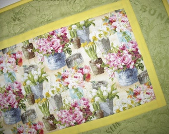 Floral Table Runner, Spring, Summer fabric Wilmington Prints, handmade