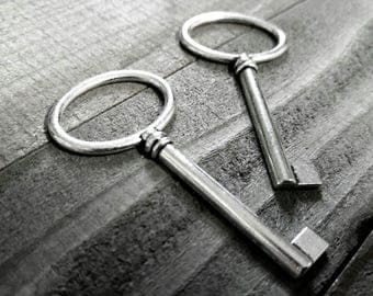 "Bulk Skeleton Keys Silver Key Pendants Large Keys Silver Keys Wholesale Keys Skeleton Key Pendants Barrel Keys Steampunk Keys 2.5"" 10pcs"