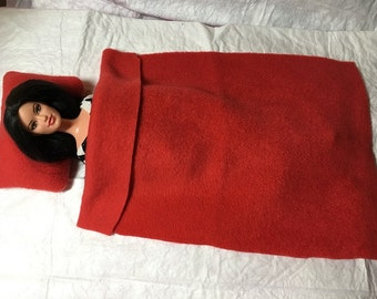 Pillow & blanket set in solid red Fleece for male and female Fashion Dolls - bsb25