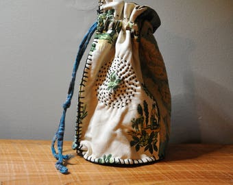 Japanese Boro Bag in Sage made from Upcycled Textiles/ Handmade Sashiko Bag/Boho Purse/Wristlet/Handbag