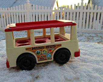 Vintage Fisher Price Bus 1969 - ROAD Trip!