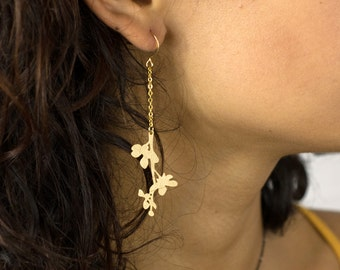 Flowery branch Earrings.  Cut out earrings. Japanese Earrings. Gold or Silver Earrings. Delicate Earrings.
