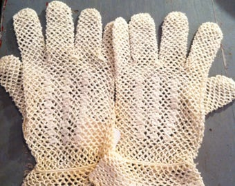 1920 French Crocheted Gloves