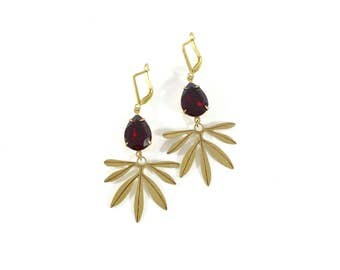 The 'Evie' Earrings in Garnet
