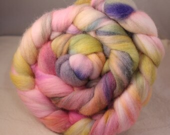 4 ounces Hand Dyed 21.5 Micron Merino Top