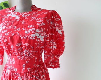 1960s RED and WHITE Floral Dress...size small to medium...mod. red. 1960s dress. retro. hippie. classic. ruffled. rockabilly. folk. maxi