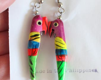 Vintage PARROT Bird Earrings...pierced ears. kitsch. retro. safari. animal lover. bird jewelry. zoo animals. safari. jungle. bird. dangly