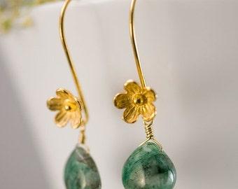 SALE - May Birthstone Earrings - Raw Emerald Earrings - Gold Earrings - Flower Earrings