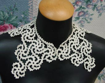 Vintage Crocheted Collar Cream Color, Nice