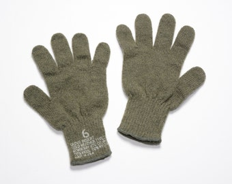 vintage 60s US Army glove inserts wool nylon blend gloves Vietnam era Newberry Knitting Mills military uniform drab green USA