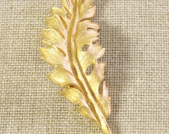 Caro Brooch , Leaf Brooch , Gold Tone , 1961 , Pin , Lapel Pin , Jewelry , Ladies Jewelry , Fall Jewelry , Brooches and Pins , Long Leaf