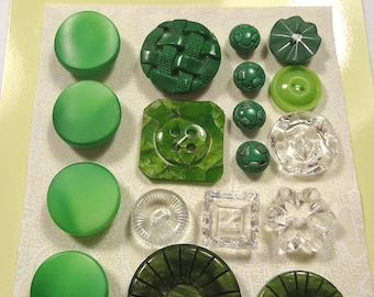 Vintage button selection - green glass, green, and clear glass (Ref C51)