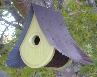 Bird House MODERN   Birdhouses with a view   Green Birdhouse