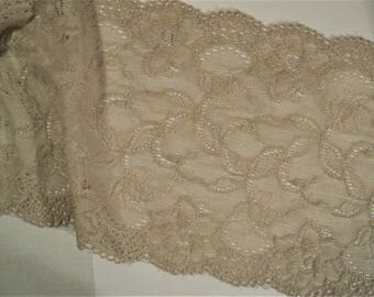 """Beige Lace 5"""" x 6 yards Long for Craft and Sewing Projects"""