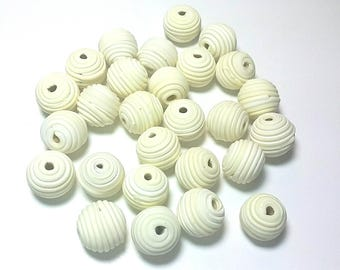 10 Fimo Polymer Clay Fimo Beads Round Spiral white  color 14mm