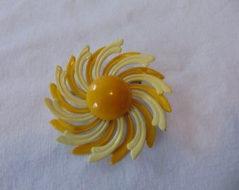 vintage yellows metal enamel flower pin