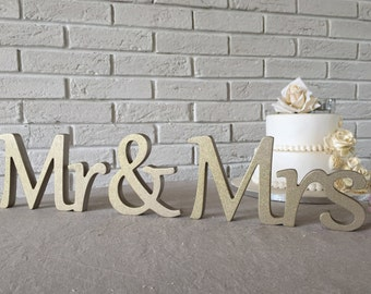 sweetheart table Mr. and. Mrs... sign set. Wedding sign set. Sweetheart table decor wooden signs.