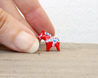 Tiny Dala horse - miniature Swedish horse