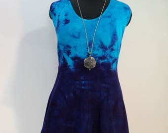 Plus size 1X tie dye bamboo tank top in purple and turquoise.