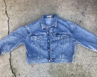 Guess 80s medium/light wash denim crop waist jacket size XLarge