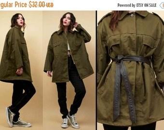 20%OFF 1DAY SALE 70s 80s Vtg Military Slovakian Army Green Anorak Cotton Jacket / Oversized Drawstring Waist Layering Coat Minimalist Utilit