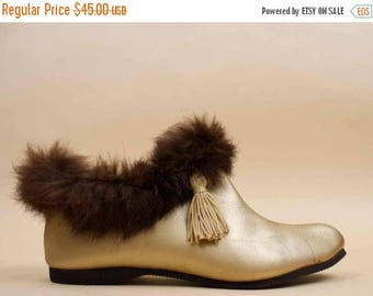 25% OFF 1DAY SALE 50s 60s Vtg Gold Tassle Vinyl Leather + Rabbit Fur Ankle Boot / Pixie Mod Pointed Toe Slipper Bootie Flats 5.5 6 Eu 35 36