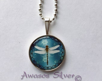 Beautiful Dragonfly with double curves pendant necklace, Floral background2