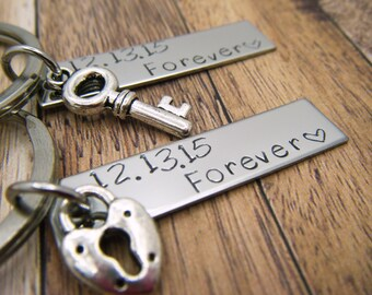 Forever couples keychains, personalized date, Anniversary Date Keychains, Couples Keychains, Boyfriend Gift, Girlfriend Gift, Gift For Him