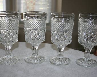 Set of Four 4 Vintage Clear Water Wine Glassses Glassware Stemware Wexford Pattern by Anchor Hocking