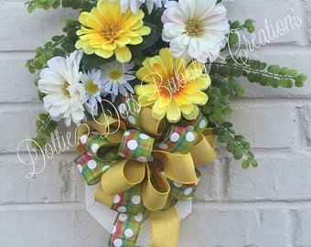 Mini Daisy & Zinnia Accent Floral Swag, Floral Swag. Floral Wreath. Spring Swag, Summer Swag