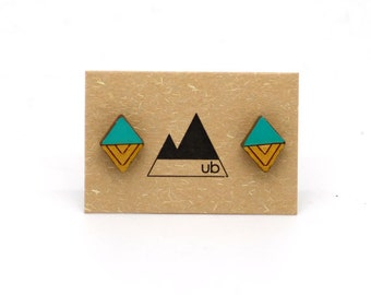 Diamond chevron colour stud