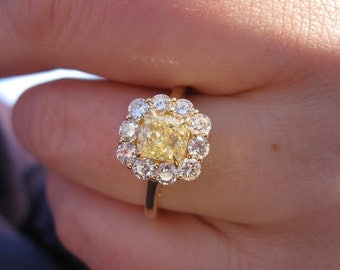 Vintage Inspired 1.13ct GIA FLY (Fancy Yellow Diamond) 18k YG Daisy Cluster Flower Ring