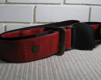 Vtg Red guitar strap by Get m Get m wear '' Woodstock '' model up to 70''
